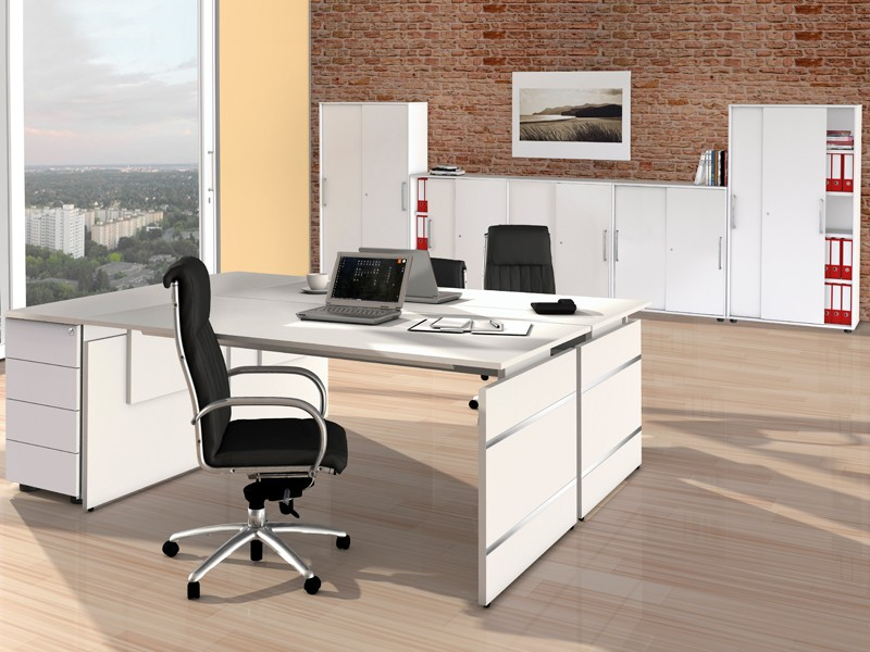 doppelarbeitsplatz form 4 komplett schreibtische und schiebet renschr nke. Black Bedroom Furniture Sets. Home Design Ideas