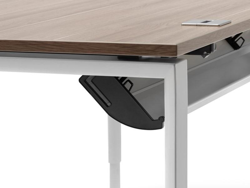 H henverstellbarer schreibtisch klein rohde grahl xio for Schreibtisch design klein