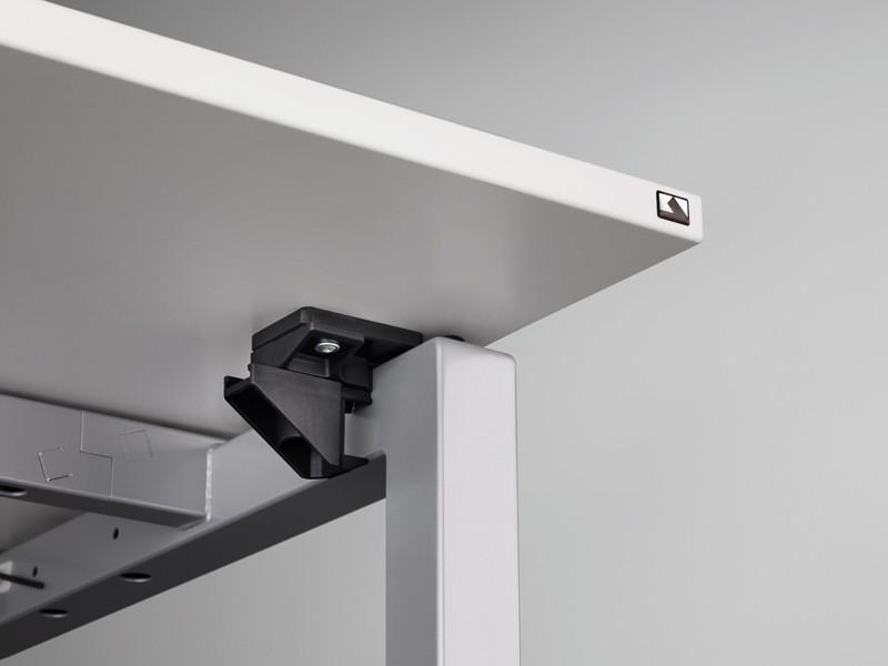 Schreibtisch schiebeplatte basic 4 b4tnx k nig neurath for Schreibtisch gestell